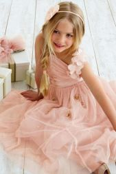Cute bridesmaid dresses for little girls ideas 37
